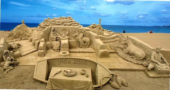 Breath taking sand sculpture scene by Etual.